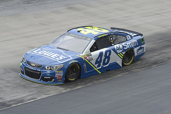 NASCAR Cup Jimmie Johnson si impone nel