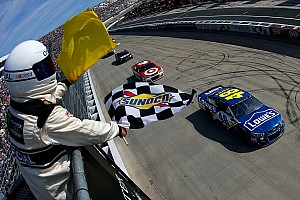 NASCAR Cup Gara Jimmie Johnson rimonta e centra a Dover il terzo successo del 2017