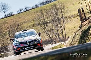 Styve Juif holt den Sieg in der Clio R3T Alps Trophy