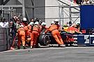 Formula 1 Fotogallery: la RB14 di Verstappen viene recuperata dopo il crash