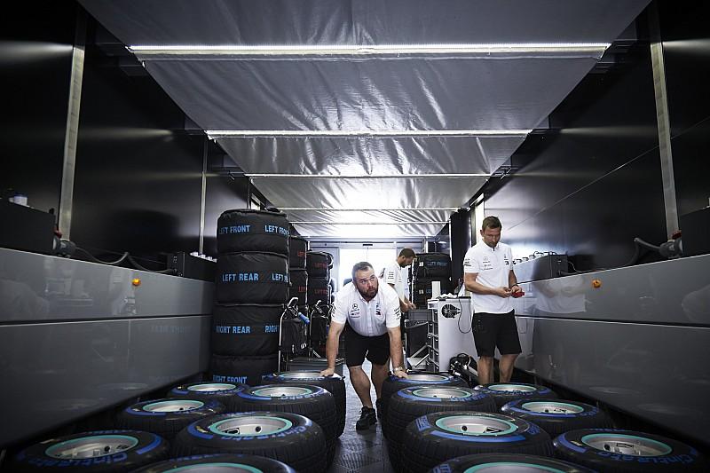 Pirelli отвергла обвинения в фаворитизме Mercedes