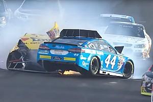 NASCAR Cup Feature Die Crashs und der Spritpoker: Die Video-Highlights von NASCAR in Kentucky
