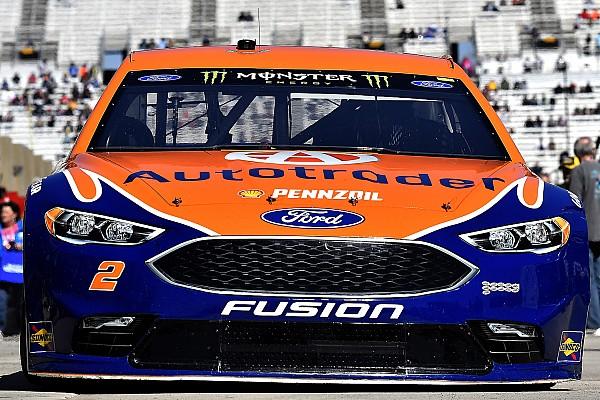 NASCAR Cup Harvick erra no fim e Keselowski brilha em Atlanta