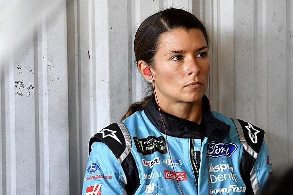 NASCAR Cup Últimas notícias Danica Patrick perde lugar na Stewart-Haas em 2018