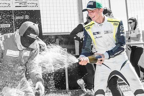 Habsburg Ferdinánd ismét a dobogón ünnepelhetett a Bruce McLaren Motorsport Parkban