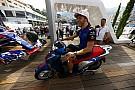 Fórmula 1 Galería: los pilotos de Toro Rosso se divierten con las scooter Honda SH