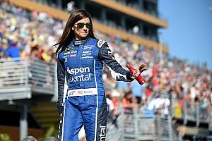 NASCAR Cup Noticias de última hora Danica Patrick termina su estancia con  Stewart-Haas Racing con un accidente