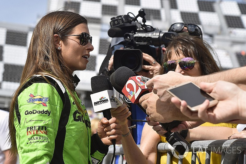 Danica Patrick to race final Indy 500 with Ed Carpenter Racing