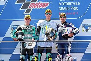 Moto3 Noticias Mir recibe felicitaciones de rivales e ídolos por redes sociales