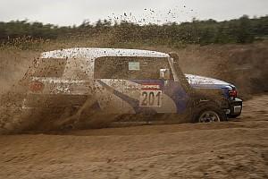 Ралі-рейди Репортаж з етапу Джип-спринт: вийти сухим із піску (частина 1)