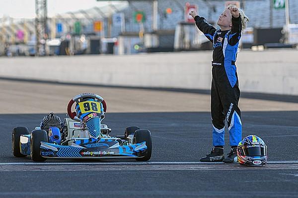IndyCar Noticias Hijo de Dan Wheldon homenajea a su padre en Indianápolis