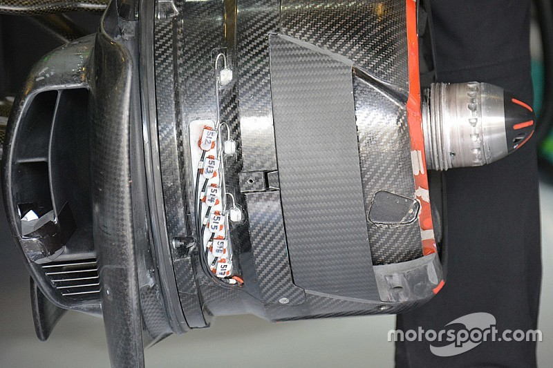 Bite-size tech: McLaren front brake duct