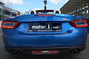OTOMOBİL Son dakika Fiat 124 Spider karting aracına karşı