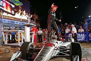 IndyCar Gara Will Power centra il successo in Texas in una gara condizionata dagli incidenti