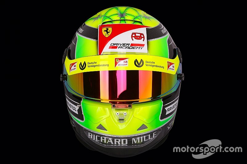 Шумахер представив шолом для сезону-2019