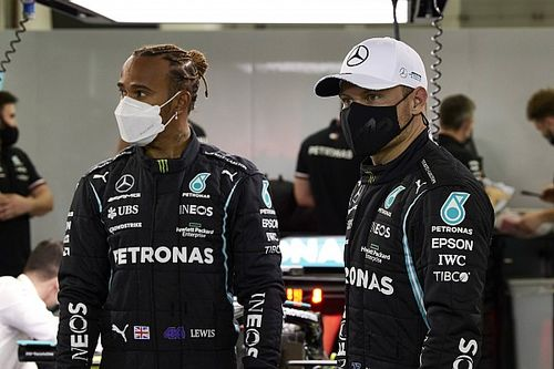 Hamilton, Bottas'ın takım arkadaşı olmanın en iyi yanını açıkladı