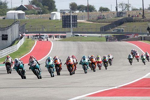 Moto3であわや大惨事のクラッシュ。危険なライディングと運営判断にMotoGPライダーからも苦言