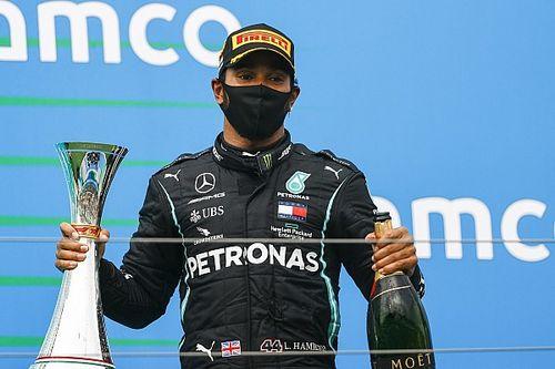 A legendás F1-es kommentátor elmondta, miért tartja jobbnak Hamiltont Schumachernél és Sennánál