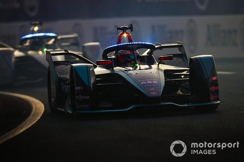 Jaguar, olası kesintilere rağmen Formula E'de devam edeceğini doğruladı