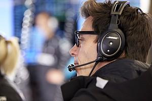 A Mercedes egyelőre nem tudja: a Formula E egy esemény vagy egy verseny?!