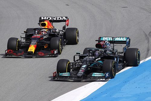 """هاميلتون """"تعلم المزيد"""" عن فيرشتابن في إسبانيا أكثر من جميع السباقات السابقة"""