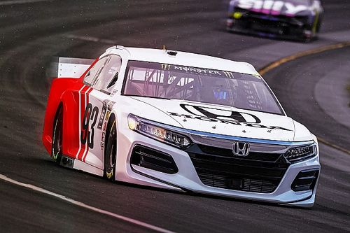NASCAR boss Phelps: Hybrid power needed to lure new manufacturer