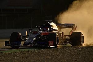 Hatalmas képgaléria az F1-es tesztsorozat első napjáról
