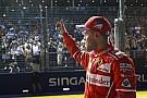 Vettel nyerte a szingapúri időmérőt a két Red Bull előtt: elfogyott a Mercedes