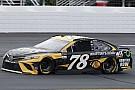 NASCAR Cup Martin Truex Jr. si prende la pole dopo la squalifica di Larson