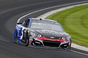 NASCAR Cup Relato da corrida Após duas prorrogações, Kahne vence prova caótica em Indy