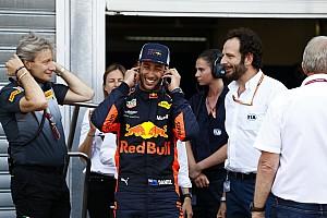 Ricciardo: c'è stata la telefonata di Mateschitz che allunga il contratto