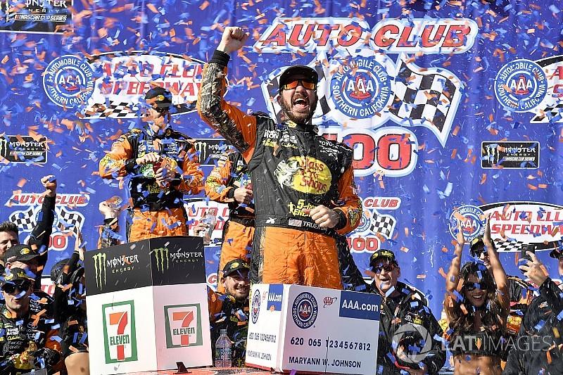 https://cdn-2.motorsport.com/images/amp/0Zrbm3L0/s6/nascar-cup-fontana-2018-race-winner-martin-truex-jr-furniture-row-racing-toyota-camry-bass-7859816.jpg