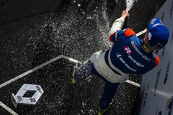 Formula Renault Самое интересное Шварцман и Троицкий в тройке. Итоги недели для российских пилотов