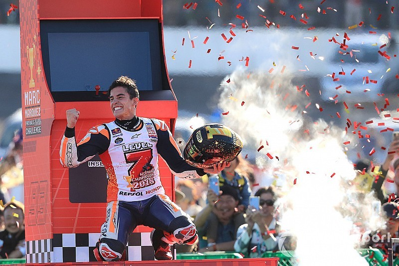 Маркес досрочно стал чемпионом MotoGP после падения Довициозо