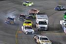 NASCAR Cup Водитель «скорой помощи» устроил неразбериху в гонке NASCAR
