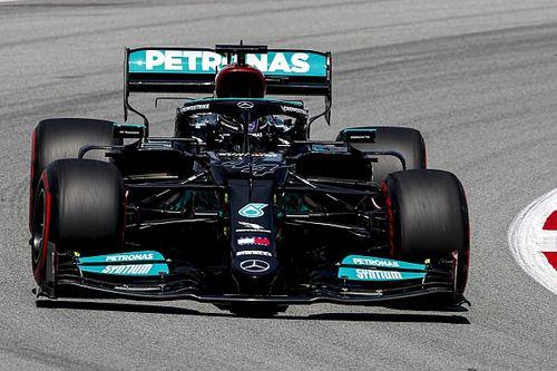 Два Mercedes быстрее всех на второй тренировке в Барселоне, Ферстаппен – только 9-й