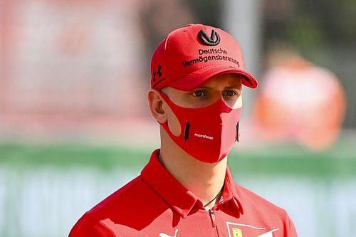 Mick Schumacher nyerte az F2-esek főfutamát egy zseniális manővert követően!
