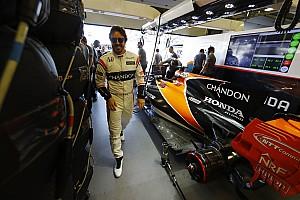 Forma-1 BRÉKING Alonso szerint a McLaren jó választás lenne Sainz számára