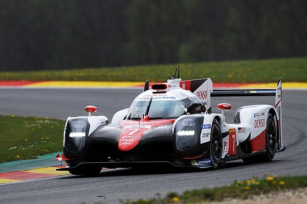 Toyota supera a Porsche en la primera práctica