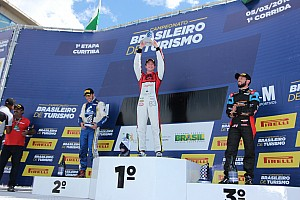 Brasileiro de Turismo Relato da corrida Mesmo queimando o pé, Casagrande vence corrida 1