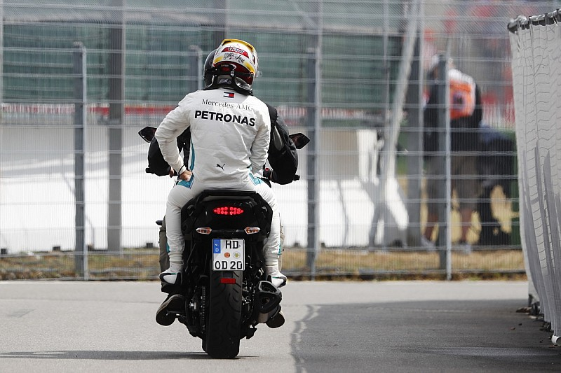 Vettel bersimpati dengan Hamilton atas masalah Q1