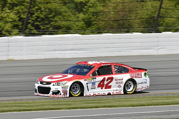 NASCAR Cup Kyle Larson centra la seconda pole stagionale a Michigan