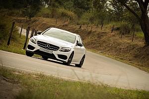 Automotivo Últimas notícias Primeiras impressões Mercedes-Benz C300 Sport - Terno com tênis