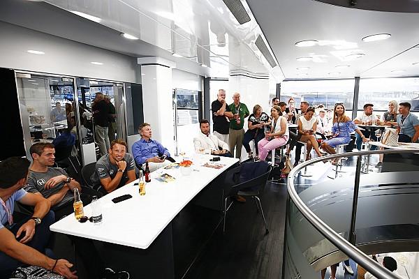 Forma-1 Exkluzív: így zajlik egy F1-es versenyzői megbeszélés