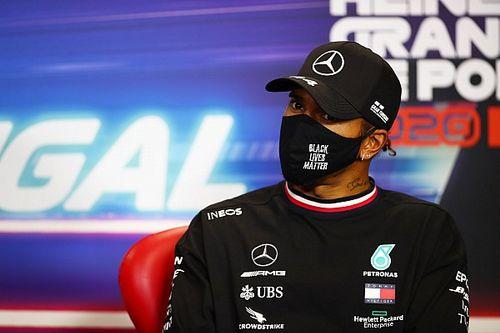 Hamilton kiakadt: nem érti, mit keres Petrov a versenybírák között