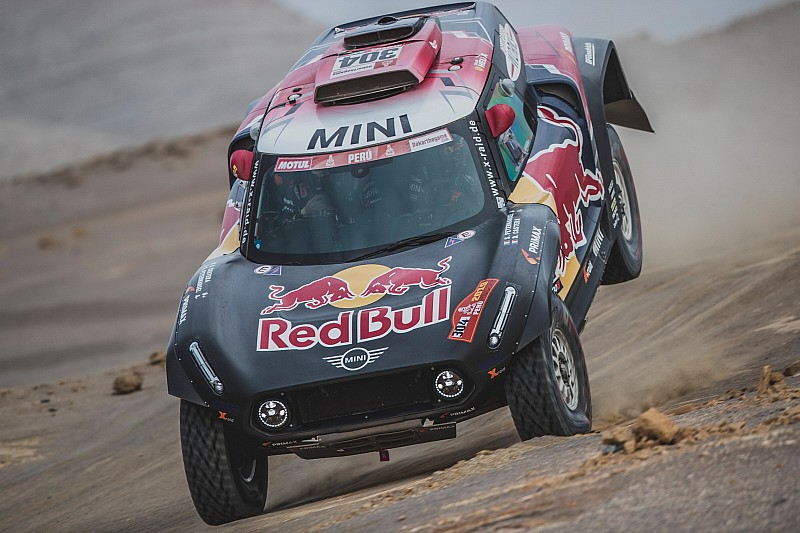 Peterhansel out of Dakar 2019 in penultimate stage