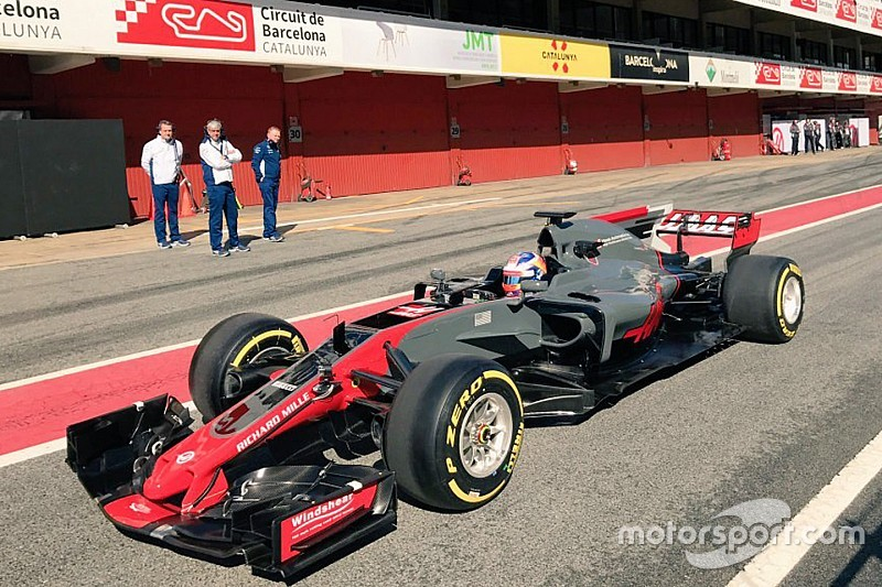 Новая машина Haas засветилась в Барселоне