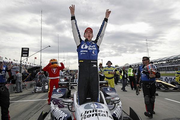 IndyCar Rahal domina en la carrera 1 en Detroit