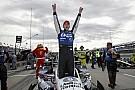Rahal domina en la carrera 1 en Detroit
