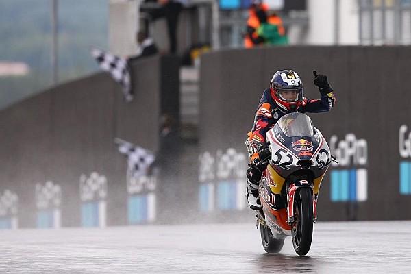 Red Bull Rookies Cup: Yağmur altında zafer Deniz'in, Can düştü